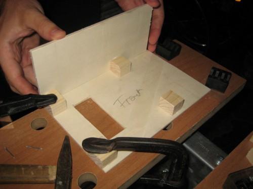 Bild 3: Montage der Seitenplatten