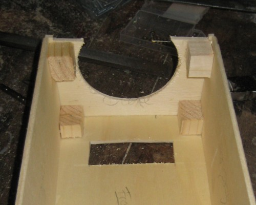 Bild 4: Anbringung des Deckels